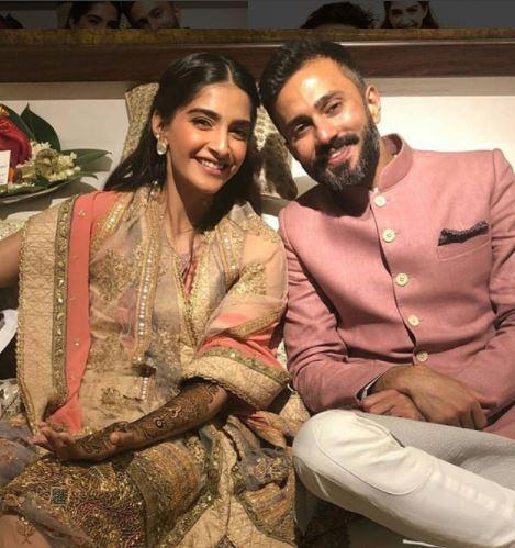 sonam kapoor mehendi- wedding