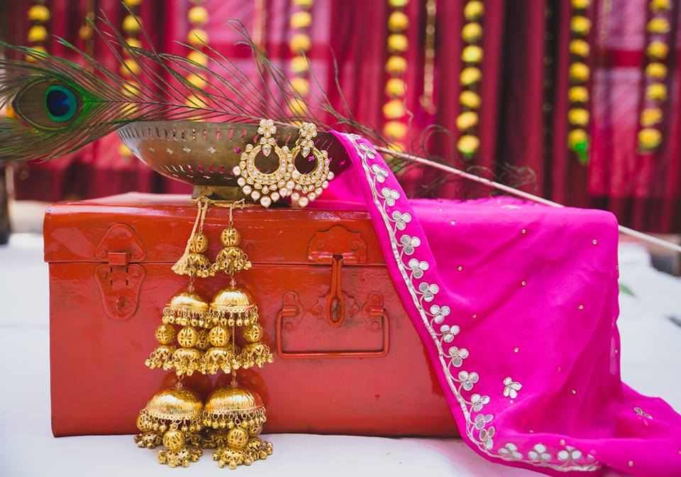 Kalire trends, kalire designs, kalire, wedding kalire, destinations weddings india, flower kalire, floral kalire, pom pom kalire, tassle kalire, gold kalire, shell and balls kalire, kalire theme, floral handmade kalire, kalire for wedding, kalire for bride, kalire for brides, Punjabi kalire, coconut kalire, studded kalire, pearl kalire, destination wedding india, mehandi, floral jewellery,